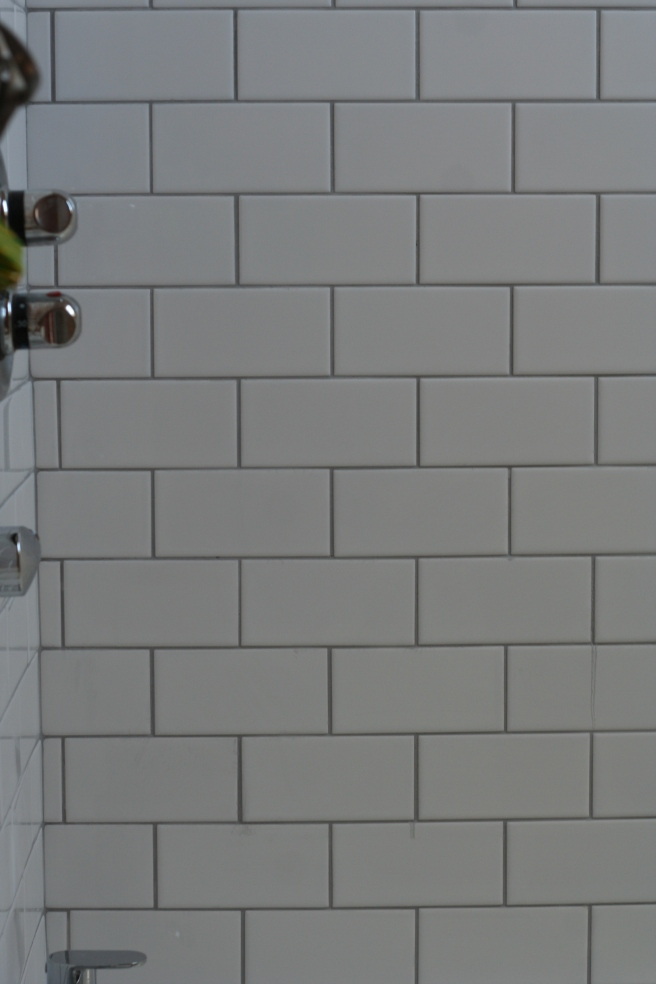 loving the grey grout